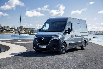 Renault Master Van Medium Roof MWB 35 FWD 2.3 dCi ENERGY FWD 150PS Business+ Van Medium Roof Manual [Start Stop]